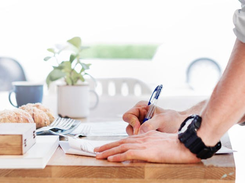 Contracts 101: Attorney Fees Clauses